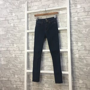 BDG Twig High-Rise Skinny Jeans Size 25
